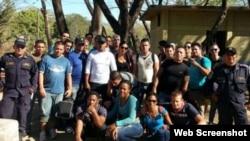 Cubanos retenidos en Honduras