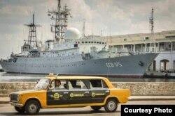 El buque ruso SSV-175 Leonov en La Habana.