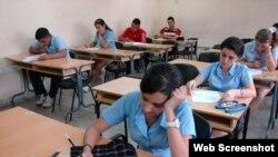 Estudiantes de enseñanza preuniversitaria en Cuba.