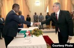 Nelson Pagés Vilas presenta cartas credenciales en Zambia.