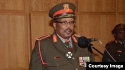 General Shoke, jefe del ejército de Sudáfrica.