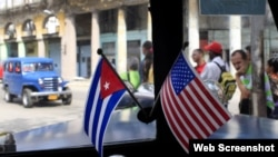 El presidente Donald Trump podría hacer los anuncios este mes ante la comunidad de exiliados de Miami.