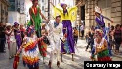 Americano en La Habana: En su programa grabado en la isla, Conan no escapó del circuito turístico.