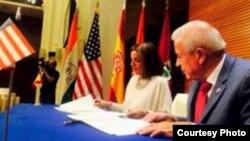 La alcaldesa de Madrid, Ana María Botella, y el alcalde de Miami, Tomás Regalado, firmaron un acuerdo de hermanamiento entre las dos ciudades.