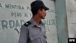 Impiden a opositores asistir a misa en Santiago de Cuba y El Cobre