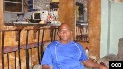Abogado Julio Ferrer, en su domicilio en La Habana.