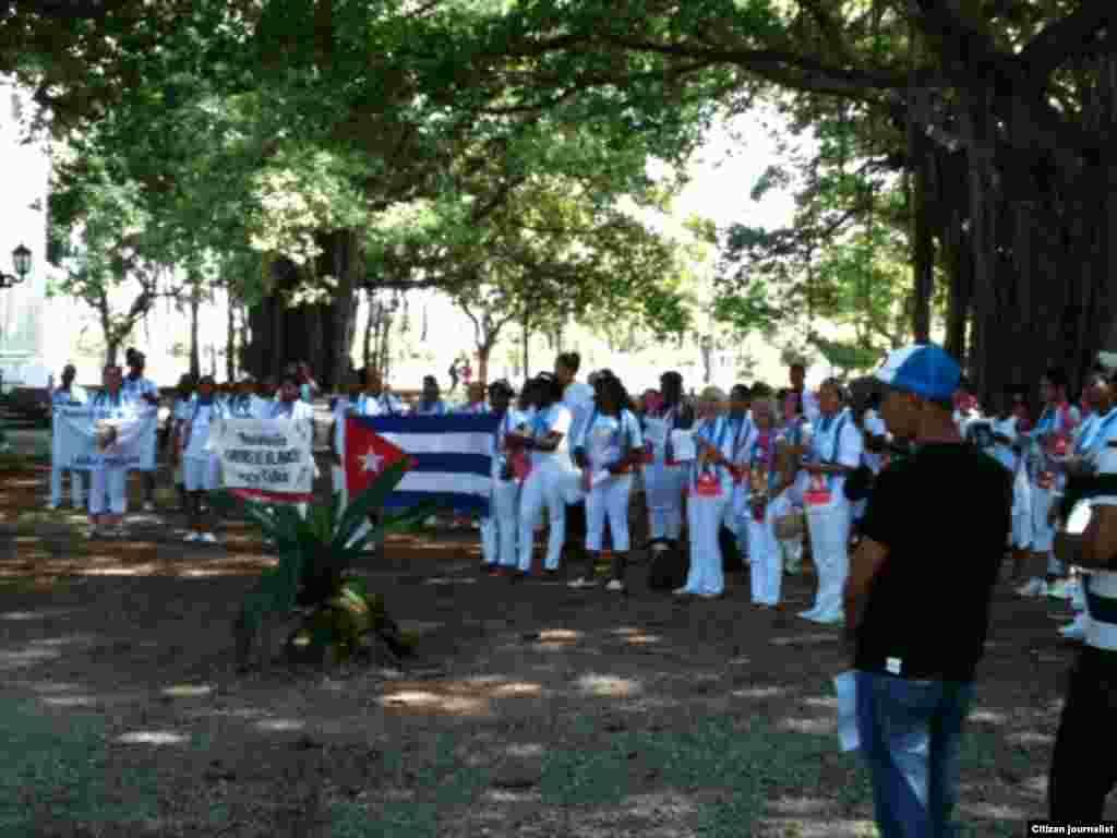 Reprota Cuba Antes del arresto domingo 25 de represion Foto Angel Moya