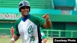 """José Dariel """"PIto"""" Abreu, primera base del Cienfuegos, podría firmar el más grande contrato entre un pelotero cubano y un equipo de Grandes Ligas"""