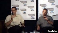 Antonio Rodiles (izq.) y Alexis Jardines (der.) en un debate de Estado de Sats efectuado en marzo de 2011.