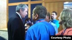 Carlos Gutiérrez en la convención republicana.