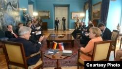 Opositores buscan nuevo enfoque en la lucha por la democracia en Cuba