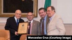 Maurice Ferré, Raúl Valdes-Fauli, Carlos Sánchez Berzaín y Carlos Alberto Montaner.