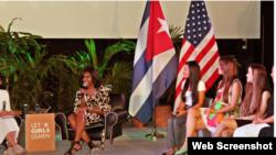 Michelle Obama se reunió en La Habana con 10 adolescentes cubanas.