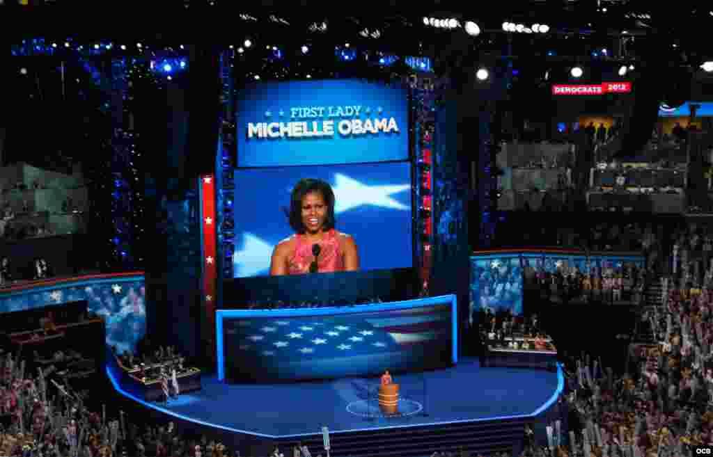 Michelle Obama habla en apoyo a Barack Obama