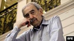 Fotografía de archivo (18/05/2011) del poeta argentino residente en México Juan Gelman, que falleció ayer, a los 83 años, en la capital mexicana donde residía desde hace veinte años