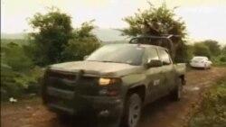 México investiga las fosas halladas en la zona en la que desaparecieron 43 estudiantes