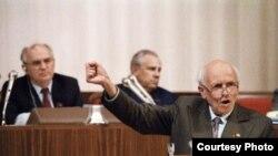 Andrei D. Sajarov, en el Congreso de Diputados de la URSS, en 1989.