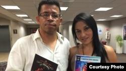 Jairo H. Grijalba y Dahyana Portilla, en la redacción de martinoticias.com
