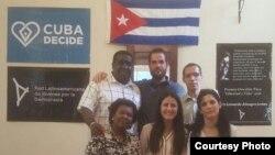 Cubanos participantes en ceremonia del Premio Payá, La Habana.