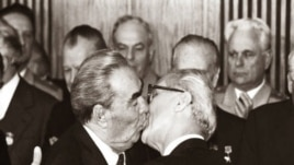 Beso Brézhnev-Honecker