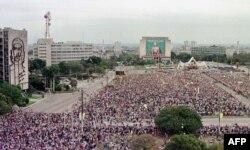 Misa en la Plaza de la Revolución el 25 de enero de 1998.