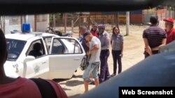 """Varios activistas fueron detenidos al concluir la reunión de creación del Movimiento por la Libertad de Cuba Coronel Vicente Méndez Hernández"""" en La Habana."""