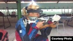 La cubana Linet Aguiar ganó medallas de bronce en rifle de aire a 10 metros en los Centroamericanos de Veracruz.