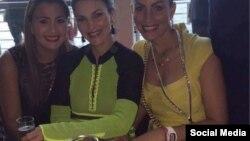 Rudy Aissami (de amarillo, der.) esposa del vicepresidente de Venezuela Tareck el Aissami, fue expuesta en Instagram con un reloj Richard Mille que puede costar casi de $115.000