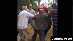 Enfrentamiento entre castristas y anticastristas.