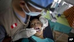 El doloroso método de relleno dental con metal o material plástico quedaría en el pasado.