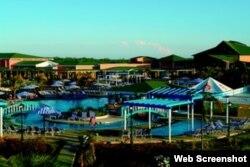 Hoterl Playa Cayo Coco. El Grupo Gaviota, del holding militar GAESA, ingresa millones en los hoteles Playa y no paga impuestos.