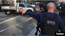 La policía cerca el lugar del incidente en Manhattan, Nueva York.