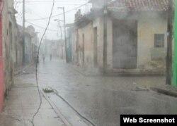 Tornado en Centro Histórico de Camagüey afectó servicio eléctrico el martes. Foto Radio Cadena Agramonte