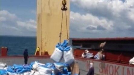 Personal médico cubano y estadounidense coincide en Libera para ayudar victimas del ébola