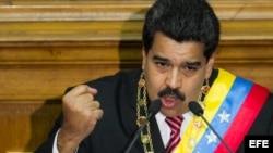 El presidente venezolano Nicolás Maduro ofrece un discurso el 10 de marzo de 2015, en la Asamblea Nacional (AN, Parlamento), en Caracas.