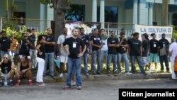 La protesta de los artistas de hip hop, frente al Instituto Cubano de la Música.