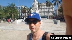 El canadiense Taylan Evrenler fue retenido en La Habana y obligado a pagar por supuestos daños a la propiedad.