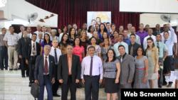 Participantes en reunión Iglesia Adventista en La Habana