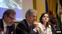Debate de periodistas durante la reunión en Cádiz.