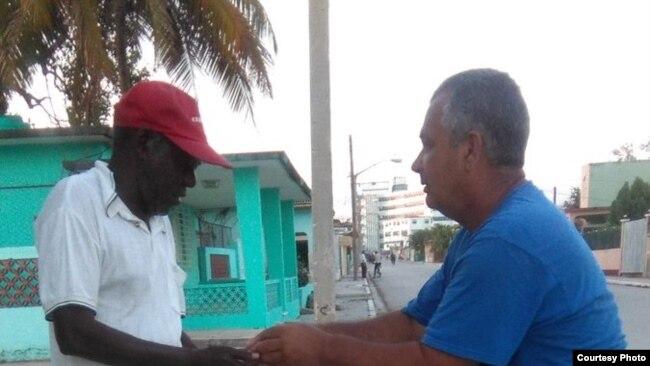 Colaboradores del Proyecto Tondique burlan vigilancia policial y ayudan a desamparados