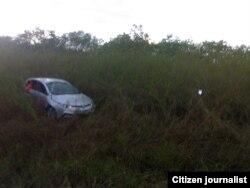 Reporta Cuba. Auto accidentado. Foto: Mario Lleonart.