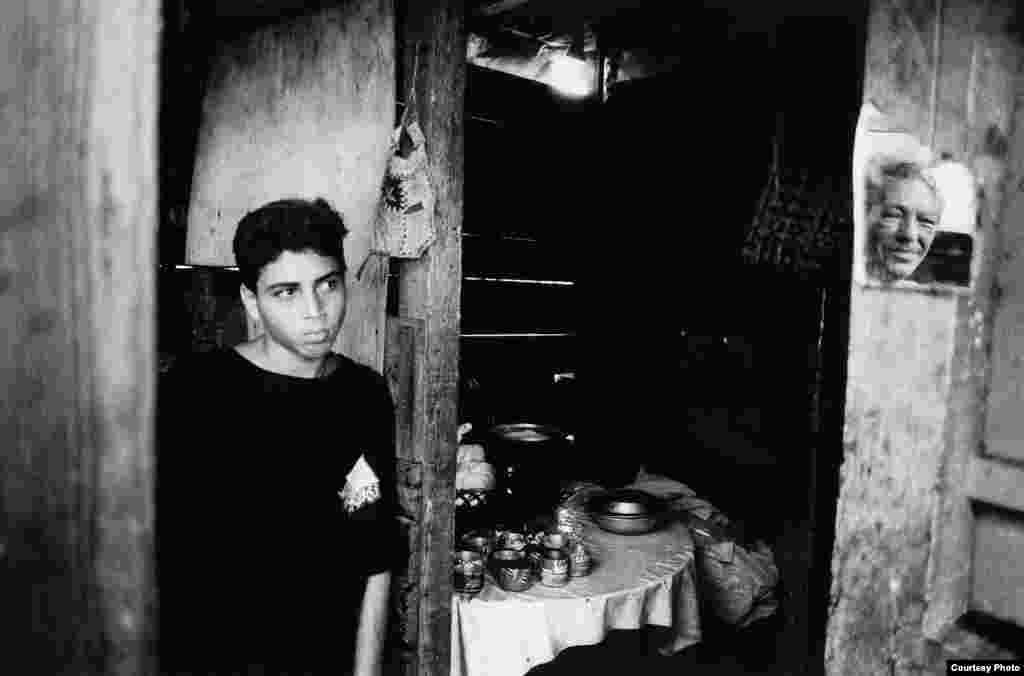 """""""Gente que no conocí"""", serie de la fotógrafa cubana Damaris Betancourt Peña. Cortesía de la autora."""