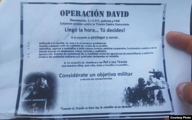 """""""Captura y neutraliza al invasor cubano"""": Volante distribuido por los militares venezolanos sublevados en Valencia."""