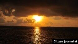 Piano con vista al mar