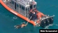 Seis balseros al parecer cubanos fueron rescatados por la Guardia Costera de EE.UU. a 5 millas de Key Byscaine (WTVJ).