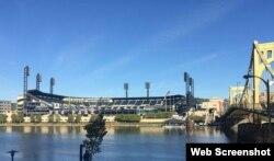 PNC Park y Roberto Clemente Bridge.