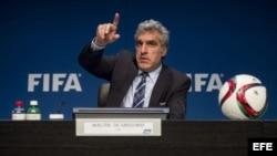 El director de Comunicaciones de la FIFA, Walter de Gregorio, en rueda de prensa en la sede de la FIFA en Zúrich, Suiza (27 de mayo, 2015).