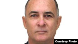 Roberto de Jesús Quiñones Haces denuncia violaciones en su contra