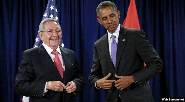 Barack Obama y Rául Castro luego de una reunión en la sede de la ONU el 29 de septiembre de 2015.