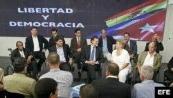 Imágen de archivo de ex presos políticos reunidos con representantes del Partido Popular español en septiembre de 2010